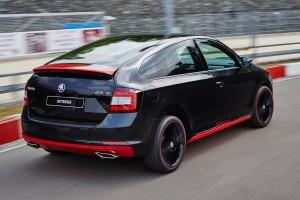Vadonatúj Škoda kupé két apró hibával