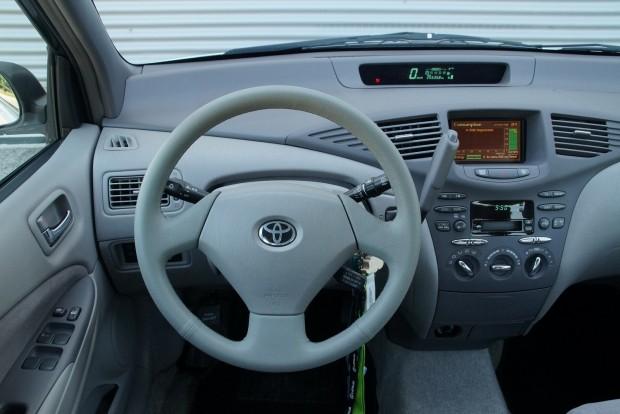 Az ergonómia nem az igazi, békés, nyugis közlekedési eszköz a Prius, nem nagy élmény vezetni