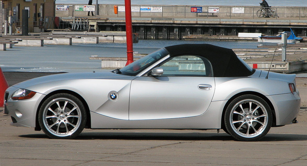 20070401232743!BMW_Z4_silver_side