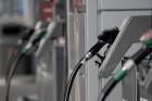 Csökken az üzemanyagok ára szerdán