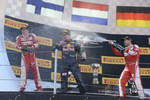 F1: Verstappen nem hiszi, a többiek morognak