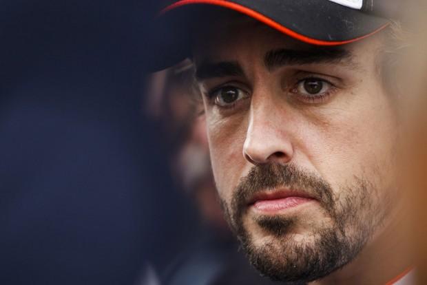 F1: Alonso bevallotta, hogy csak egy dologhoz ért
