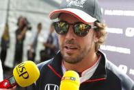 F1: Alonso csak nézett, mit mondtak a főnökök