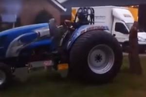 Fát traktor ilyen gigászi erővel nem tépett még