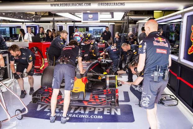 F1: Verstappen még csak szokja a Red Bullt