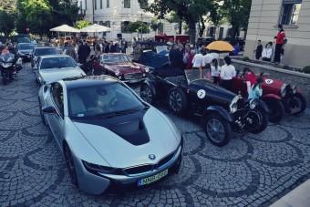Százmilliós autócsodák a Balaton partján