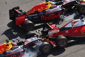 F1: Az Orosz Nagydíj legütősebb balesetei – videó