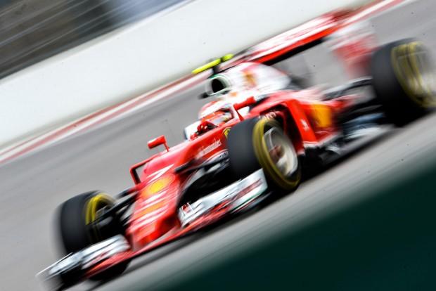 F1: A Ferrarik az élen Barcelonában