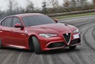 Itt a BMW-verő Alfa!