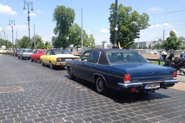 Az Opel mégiscsak amerikai leányvállalat, a GM 5,4 literes V8-a utat talált a Diplomat csúcsmodelljébe