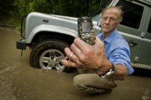 Újra telefont dob piacra a Land Rover