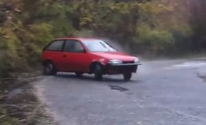 Aki szerint a Suzuki Swift nem strapabíró, az nézze meg ezt a videót