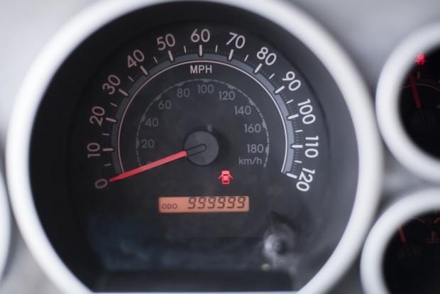 1,5 millió kilométert vezetett, kapott egy ingyen autót