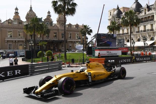 F1: Ezt a döntést meg kell hoznia a Renault-nak