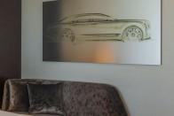 Sportpálya méretű Bentley épült