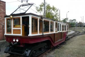 120 éves kocsi jár a 120 éves kisföldalatti vonalán