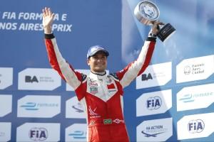 Piquet-t lepattintotta az utánpótlás-sorozat