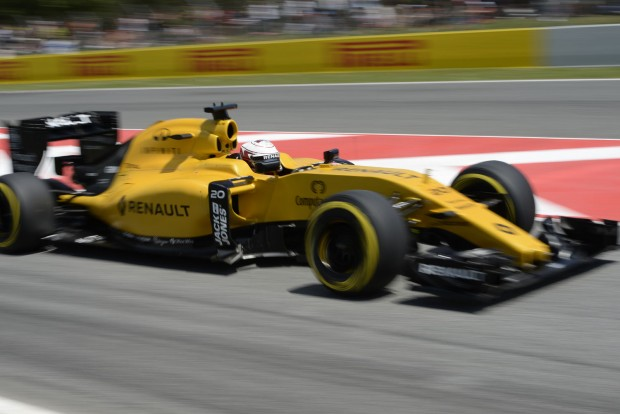 F1: Újabb pilóta kopogtat a Renault-nál?