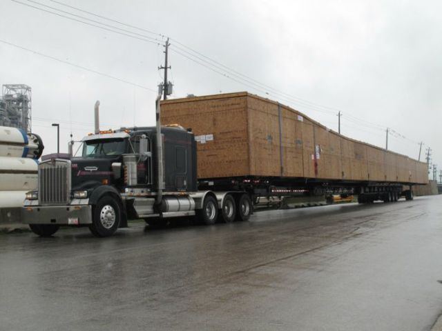supersized_truck_loads_640_11