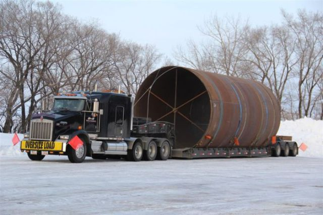 supersized_truck_loads_640_13