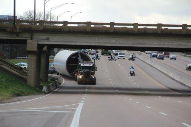 supersized_truck_loads_640_22