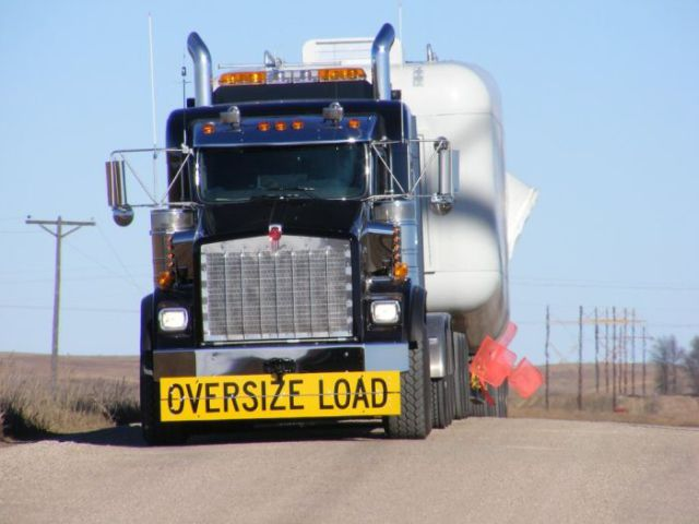 supersized_truck_loads_640_31
