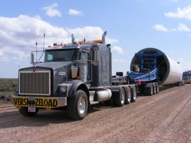supersized_truck_loads_640_32