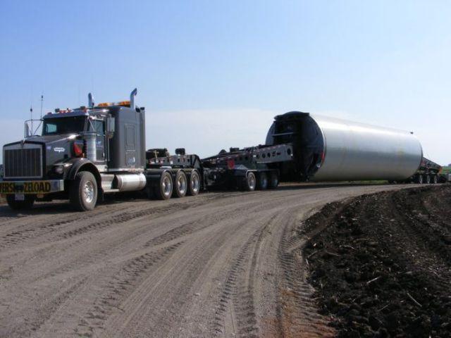 supersized_truck_loads_640_33