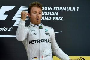 F1: 14 milliót fizettek Rosberg overalljáért