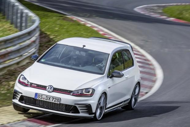 A VW Golf, ami gyorsabb a BMW M4-nél