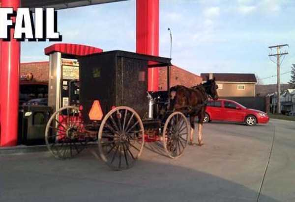 weird-people-at-gas-stations-4