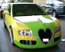 Ez a Bugatti Veyron-replika az ártatlan cukiság és szerelem szobra