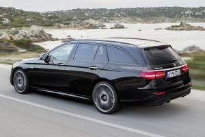 Mercedes E-kombi: visszatért a luxuszöldséges