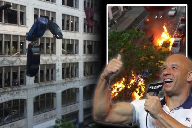 Utcán robbantottak, és autókat törtek egy film kedvéért