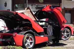 Úgy összetörték ezt a Ferrarit, hogy csak pislogni fogsz