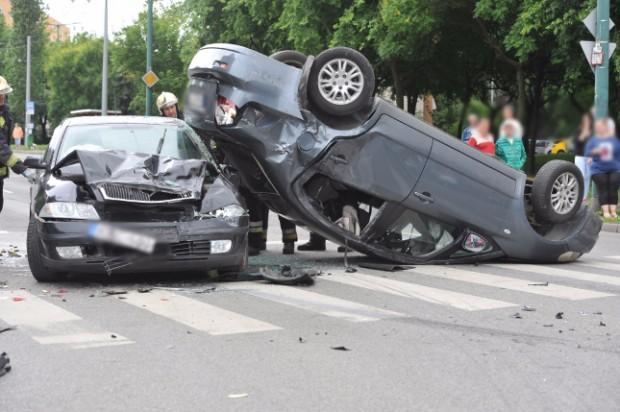 Három autó ütközött Budapesten