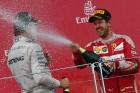 F1: Vettel a biztonsági autóval poénkodott