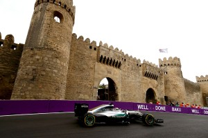 F1: A Mercedes szúrta el Hamilton beállításait