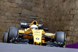 F1: Büntetések, változik a rajtsorrend