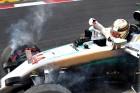 F1: Hamilton a falnak vágta, Rosbergé a pole