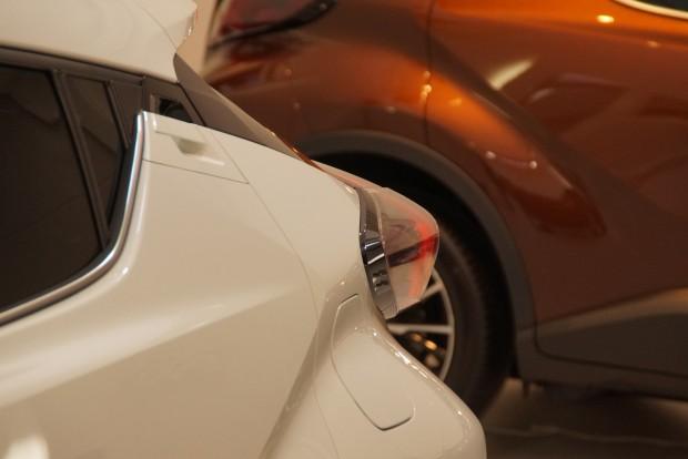 A hátsó lámpa bizonyos szögből éppen olyan kínosan hat, mint a Honda Civic hólyaglámpája. Ez valami titkos japán jelbeszéd része lehet
