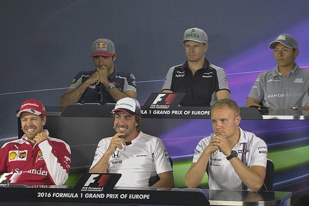 F1: Alonso Vettellel poénkodott Bakuban