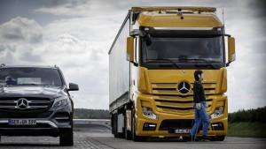 Továbbfejlesztett gyalogosvédelem a Mercedestől