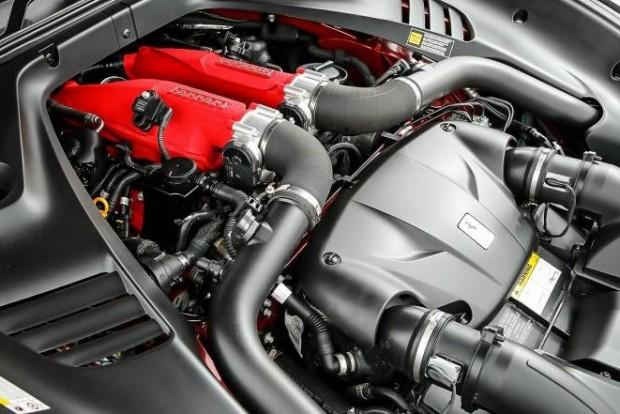 Az év új motorja A legjobb új motor egyben az év legeslegjobbabb motorja: a Ferrari 3.9 V8. A Volvo kétliteres plug-in hibridje ezüstérmes újonc, a Porsche 911 turbós blokkja a harmadik.