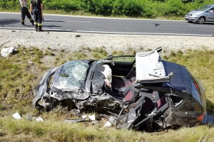 Balatonra tartó család autója tört rommá - Fotók
