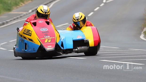 Két motoros vesztette életét a Man TT-n