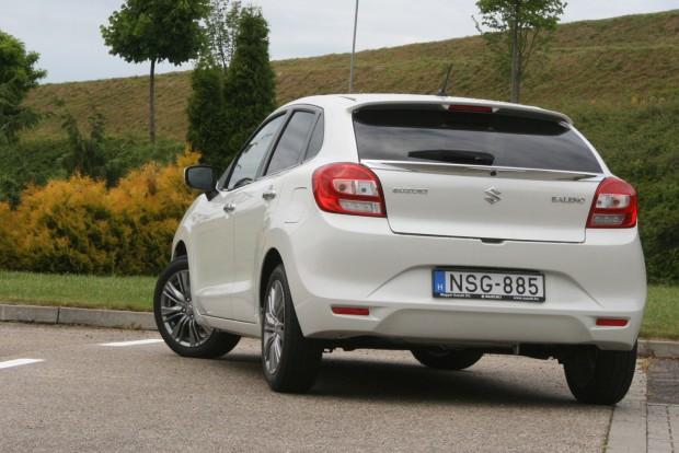 Félmilliós árengedménnyel 3,2 millió forinttól kapható a Baleno 1,2 GA, a jobban felszerelt modellek listaára 5,5-6 millió Ft