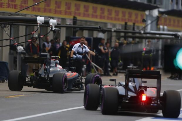 F1: Alonsót Button húzta be a Q3-ba
