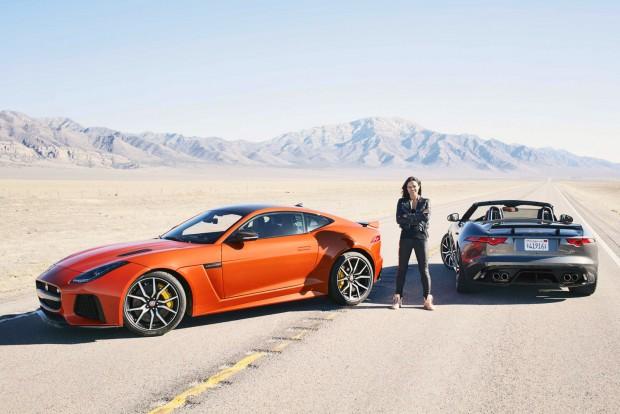 Németországban deres halántékkal sem kell lemondani az élvezetes autókról, amire a Jaguar is jó példa