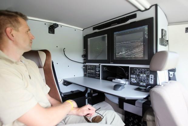 Fűthető, hűthető kabinban dolgozhat a személyzet, akár napokig is